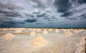 Solne pagórki z wody morskiej