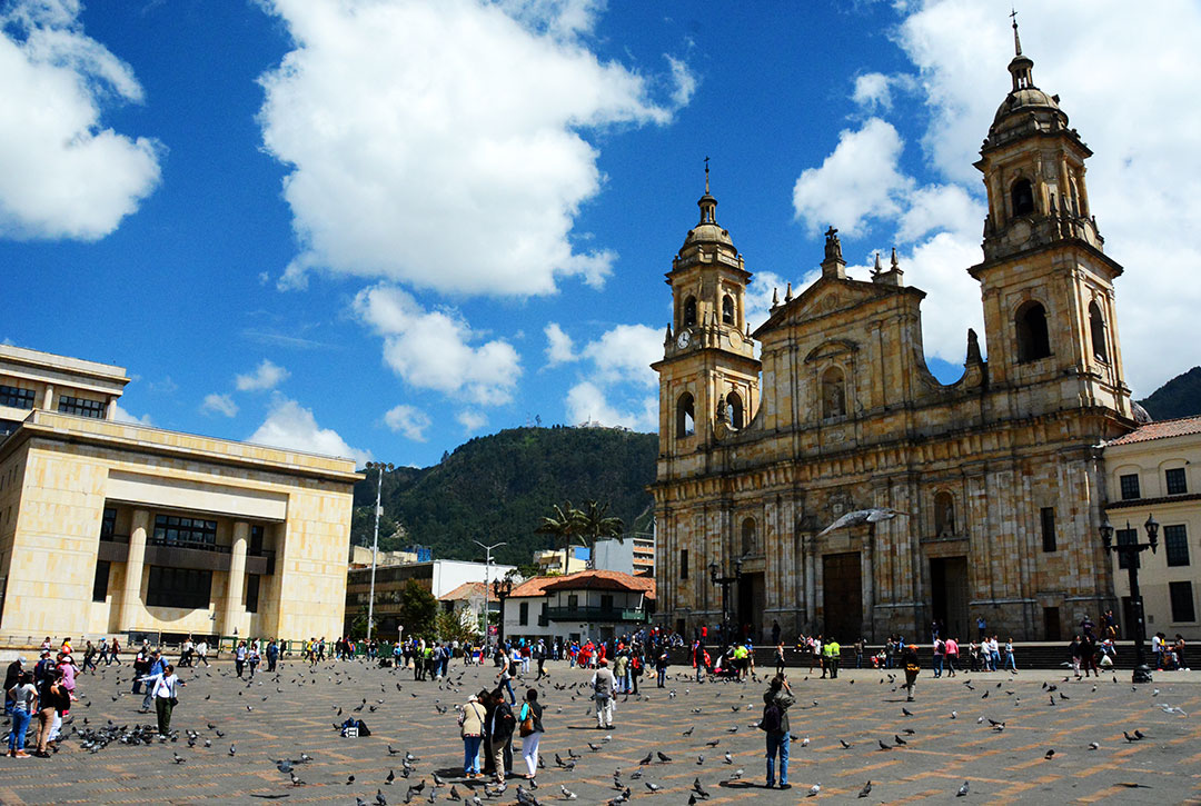 Budynek katedry kolonialnej przy placu