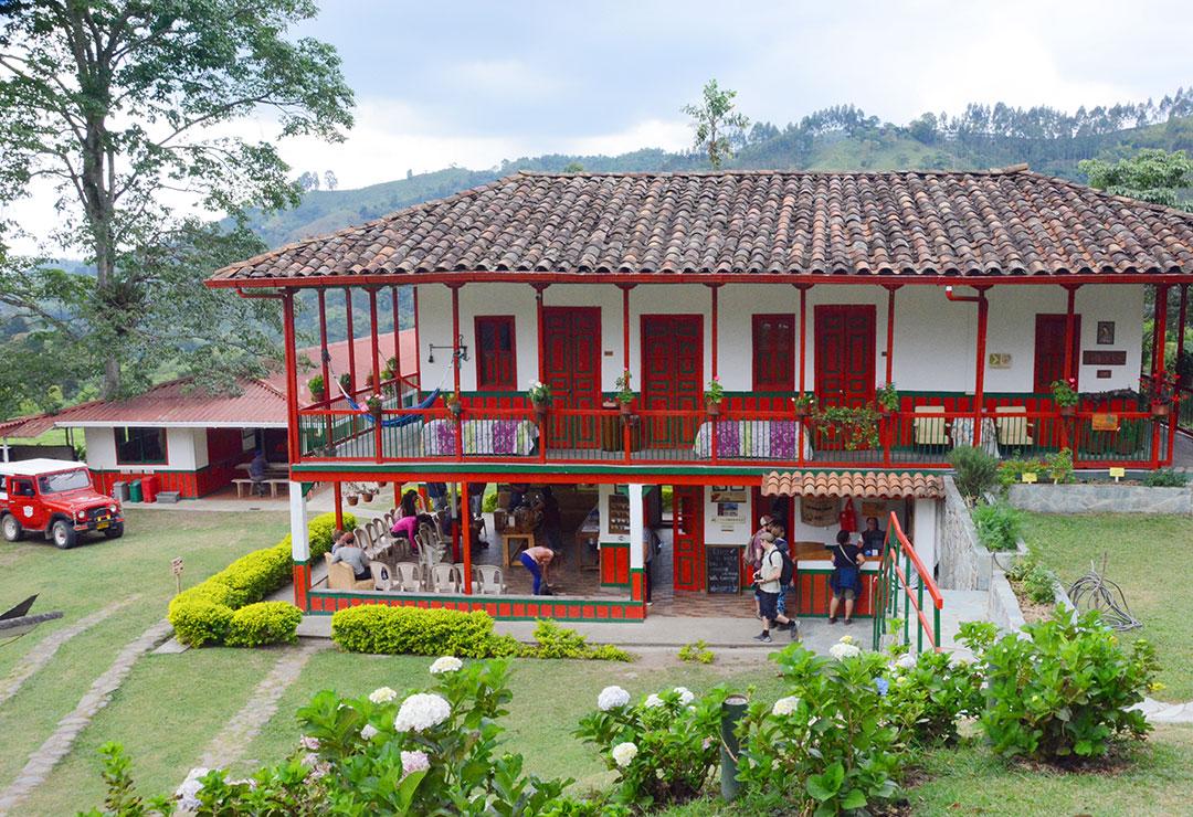 Dom wybudowany w tradycyjnym kolonialnym stylu